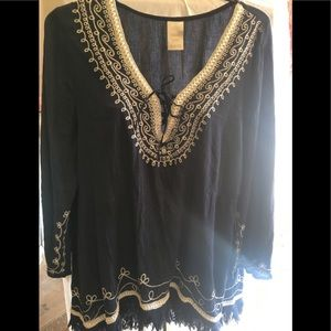 Tops - Embroidered top 2X with ribbon and fringe